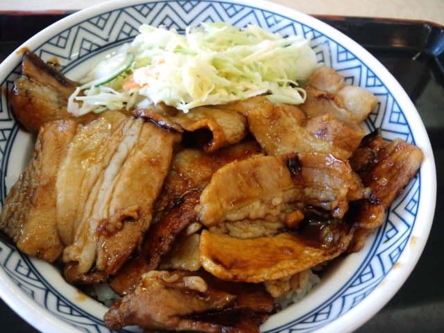 昼飯。焼き味豚丼大盛