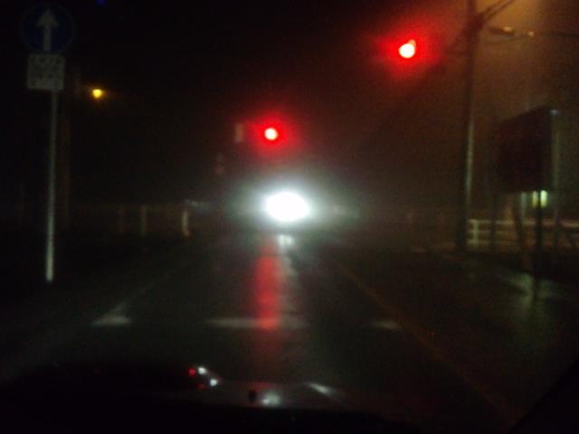 雨は止んだがものすごい霧。視界10m以下