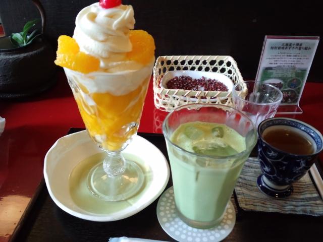 富久屋の甘夏マンゴーパフェとアイス抹茶ラテ