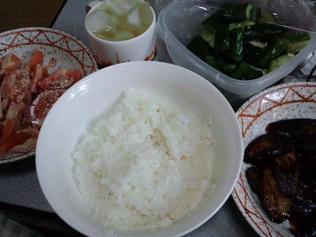 昼食。野菜ばっかりだな