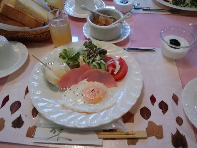 朝食にゃら