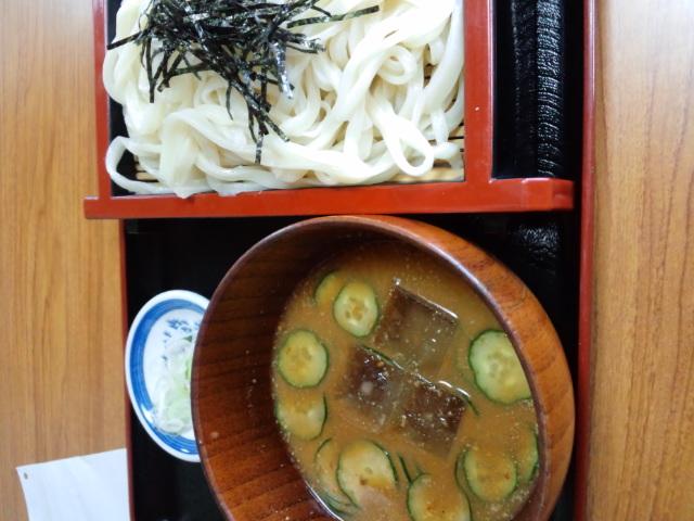 昼食。加須おおはしうどんの冷や汁うどん